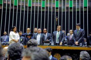 Vitor Paulo assume segundo mandato na Câmara dos Deputados
