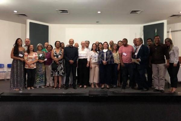Vitor Paulo debate ações para o fortalecimento da saúde no DF