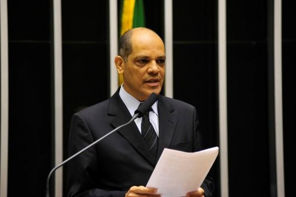 Vitor Paulo propõe aumento para aposentados