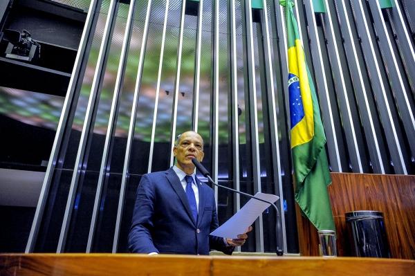 Vitor Paulo quer medidas protetivas para os idosos