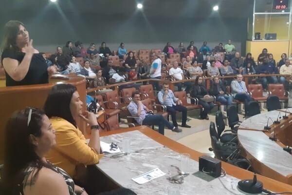 Autismo é tema de audiência na Câmara de Volta Redonda