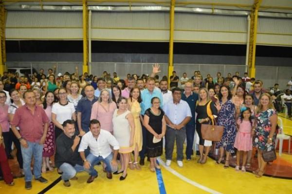 Weber Araújo inaugura quadra poliesportiva de escola em Russas