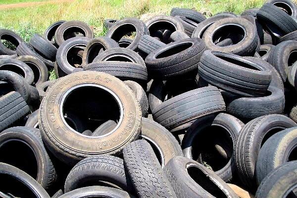 Webston Pinheiro implanta ponto de coleta de pneus em Solonópole (CE)