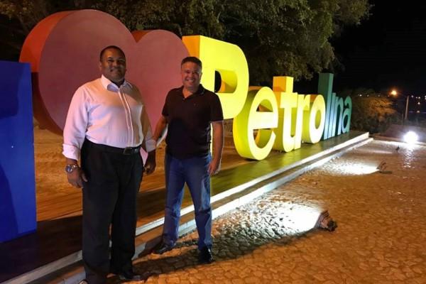 William Brigido debate ações pelo crescimento de Petrolina