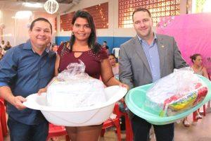 Vereador Wilson Tim participa da entrega de kits para gestantes em Cacoal (RO)