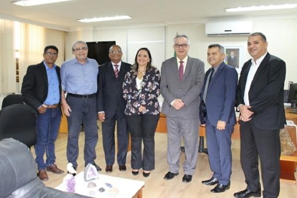 Em Brasília, Zé Gomes cobra liberação de royalties da mineração