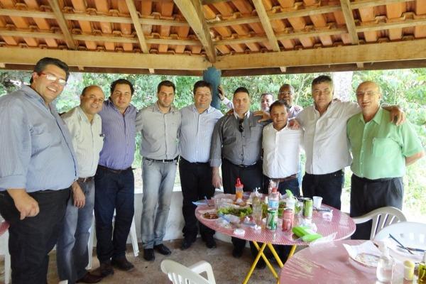 Otoniel Lima apresenta proposta de trabalho para prefeitos