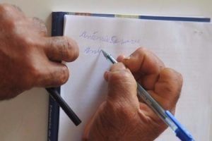 Bulhões chama atenção para número de analfabetos funcionais