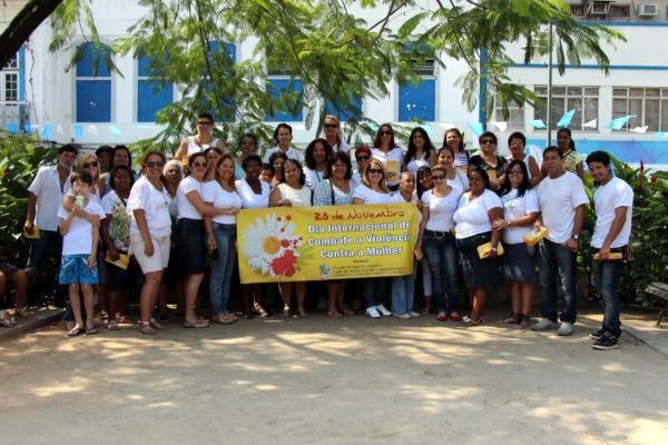 Panfletagem contra violência doméstica em Angra dos Reis