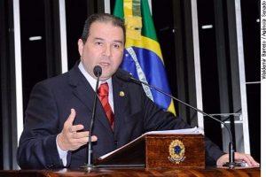 Eduardo Lopes pede mobilização da sociedade e ações do governo contra as drogas