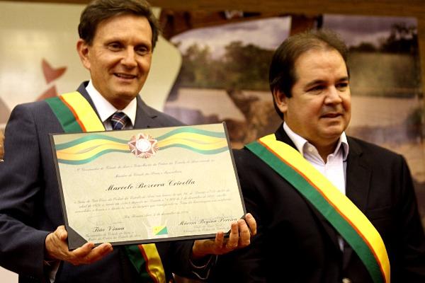 Ministro recebe medalha Ordem da Estrela do Acre