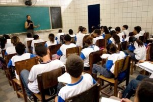 Deputado Bulhões defende Vale Educação