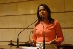 Tânia Bastos reivindica Conselho da Mulher