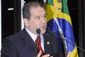 Eduardo Lopes critica violação da Constituição