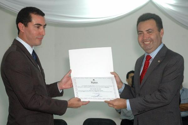 Heleno Silva é diplomado prefeito no Sergipe