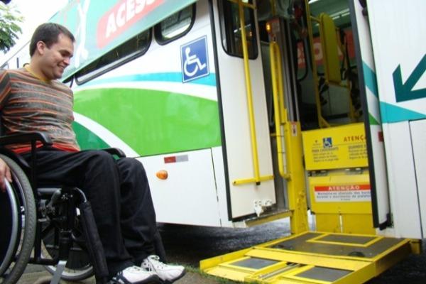 Bulhões defende políticas para deficientes