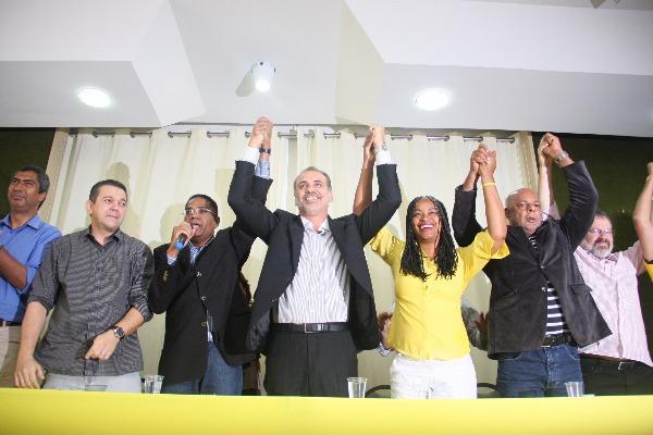 Marinho apoia Pelegrino no 2° turno em Salvador
