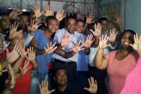Com verba menor, Marinho conclui núcleo de campanha