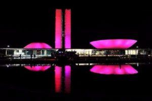 Jhonatan destaca Outubro Rosa e ações contra o câncer