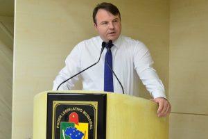 Câmara derruba veto contra projeto de Aldinei Potelecki em Criciúma (SC)