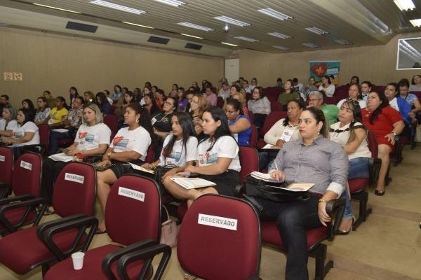 Agentes multiplicadores participam de curso para atuarem no projeto Namoro Sem Violência
