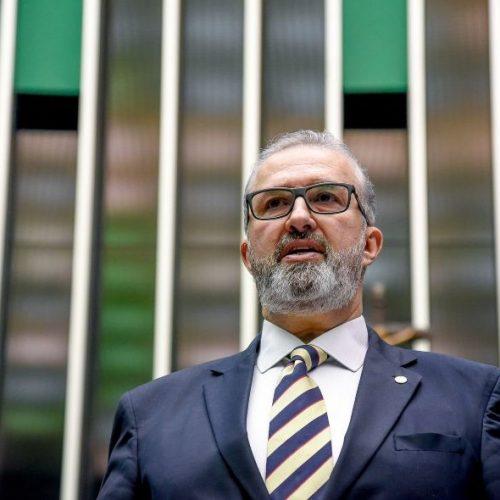 Aroldo Martins quer ampliar poder dos municípios no combate à Covid-19