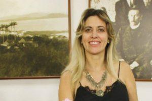 Cristina Sousa garante a inclusão de Libras na Câmara Municipal de São José (SC)