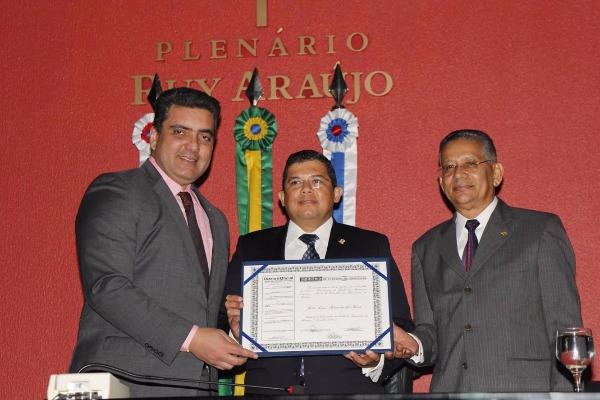 Assembleia Legislativa do Amazonas concede cidadania amazonense a João Luiz