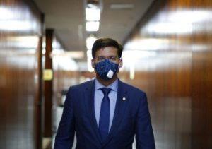 Pandemia, política e democracia