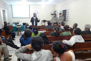 Jorge Amaro visita bairro de Águas Lindas (GO) e cobra mais segurança para o local