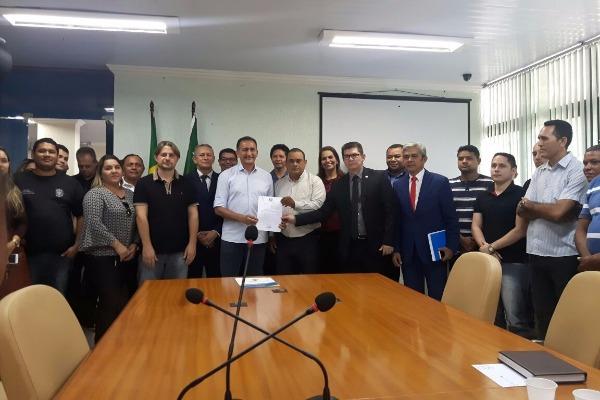Jory Oeiras comemora incorporação da GPlan nos salários de servidores penitenciários
