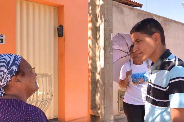 """Projeto """"Meu Gabinete é a Rua"""" visita bairros de Pompéu (MG)"""