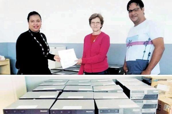 Luciana Cândida garante 110 computadores para escolas da zona rural de Cristalina (GO)