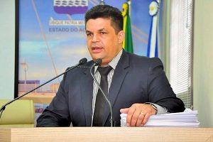 Manuel Marcos quer o fim da cobrança para religar água e luz em Rio Branco (AC)