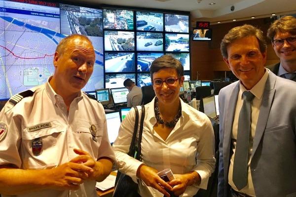 Crivella discute em Paris projetos de segurança e de melhoria urbana