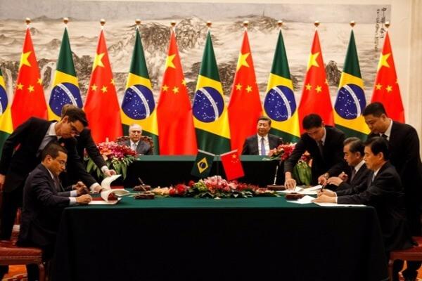 Em Pequim, Marcos Pereira assina memorando de entendimento em comércio eletrônico