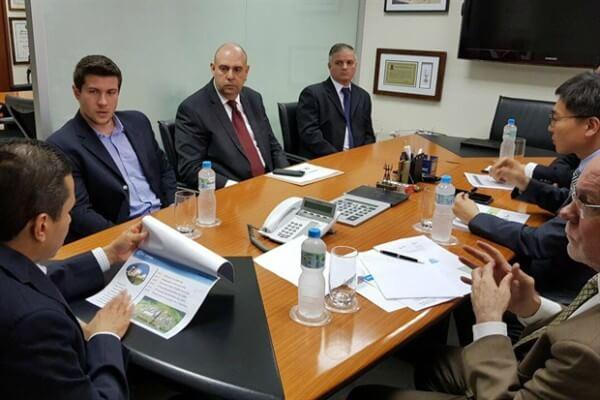 Paulo Henrique leva demandas da indústria de Piracicaba para Marcos Pereira