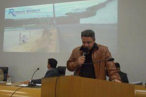 Robson Magela pede providências da prefeitura para rua em Araxá