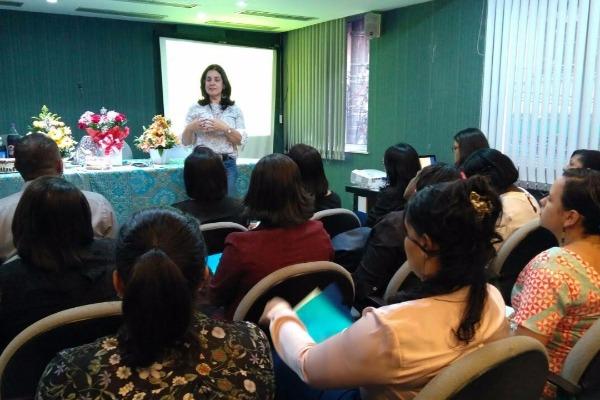 Vereadora Rogéria Santos realiza workshop com assessores em Salvador