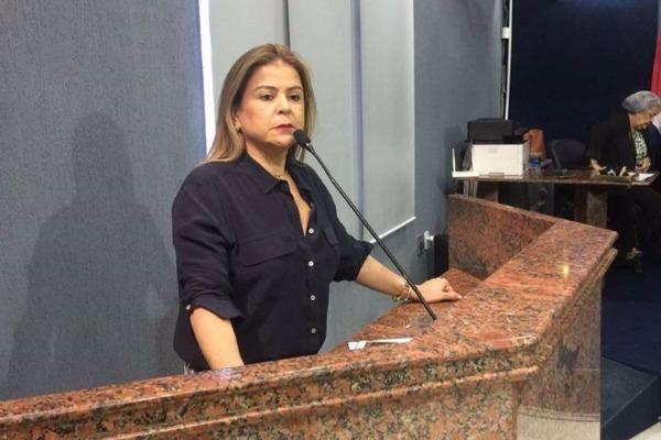 Silvania Barbosa propõe desconto de 50% no valor de consultas médicas em Maceió (AL)