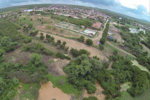 Webston Pinheiro comemora primeira colheita na Fazenda Modelo de Agricultura Familiar