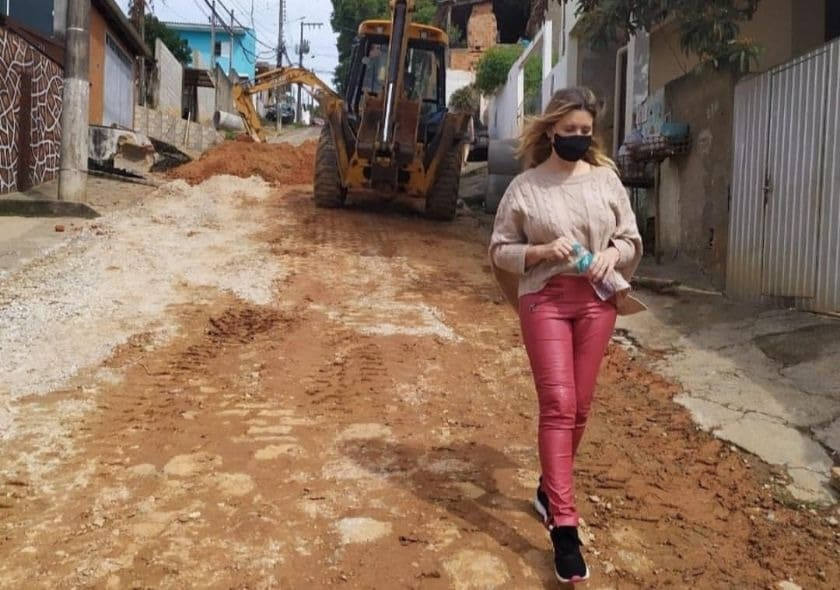 Vereadora Cristina Souza visita famílias atingidas por ciclone bomba